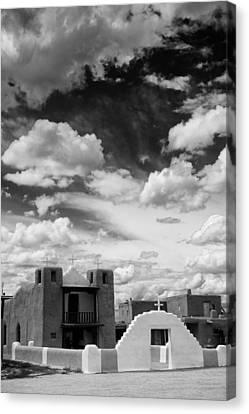 Iglesita De Pueblo De Taos - New Mexico Canvas Print by Silvio Ligutti