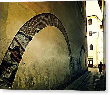 Canvas Print featuring the photograph Il Muro  by Micki Findlay