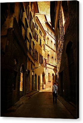 Canvas Print featuring the photograph Il Turista by Micki Findlay