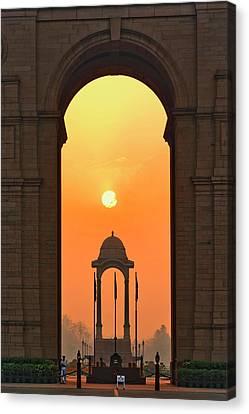India Gate, A War Memorial In New Delhi Canvas Print by Adam Jones