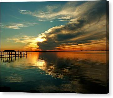 Canvas Print featuring the photograph Indian River Sunset by Elaine Franklin