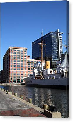 Inner Harbor At Baltimore Md - 121220 Canvas Print by DC Photographer