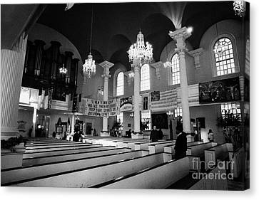 Inside St Pauls Chapel Ground Zero New York City Canvas Print by Joe Fox