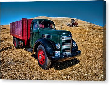 International Farm Truck Canvas Print