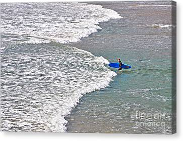 Into The Surf Canvas Print by Susan Wiedmann