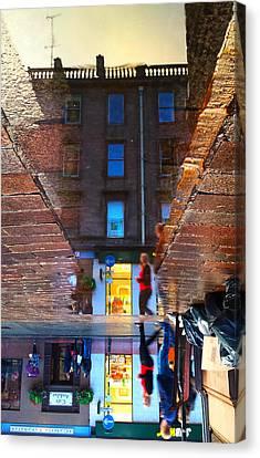 Scotland - Glasgow Inverted Canvas Print by Ryan Ayris
