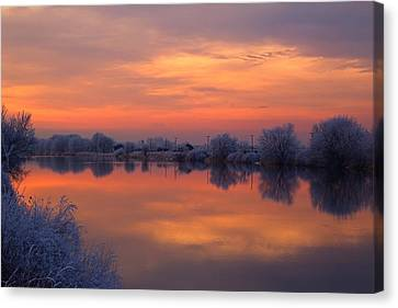 Canvas Print featuring the photograph Iridescent Sunset by Lynn Hopwood