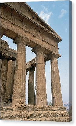 Italy. Sicily. Agrigento. Valley Of The Temples. Temple Of Concordia. 5th Century Bc Canvas Print