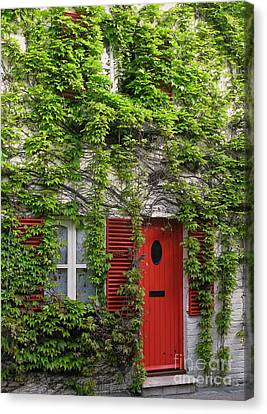 Ivy Cottage Canvas Print by Ann Horn