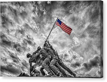 Iwo Jima Memorial Bw 1 Canvas Print by Susan Candelario