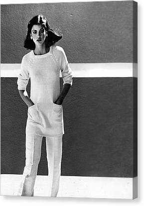 Janice Dickinson Wearing A Charlotte Ford Tunic Canvas Print