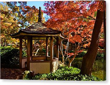 Canvas Print featuring the photograph Japanese Gazebo by Ricardo J Ruiz de Porras