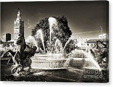 Jc Nichols Memorial Fountain Bw 1 Canvas Print