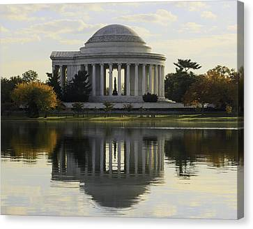 Jefferson Memorial In Autumn Canvas Print