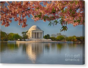 Jefferson Memorial In Spring Canvas Print