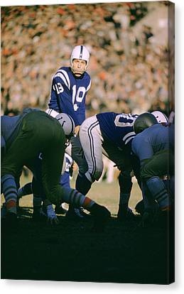 Johnny Unitas Ready  Canvas Print by Retro Images Archive