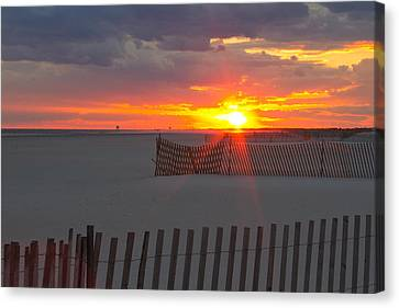 Canvas Print featuring the photograph Jones Beach Sunset One by Jose Oquendo