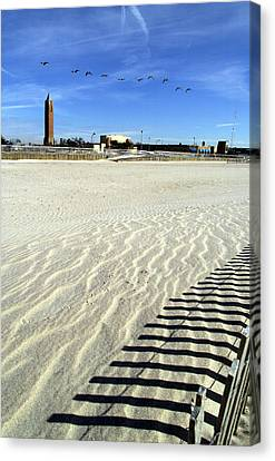 Jones Beach Tower New York Canvas Print by Bob Savage