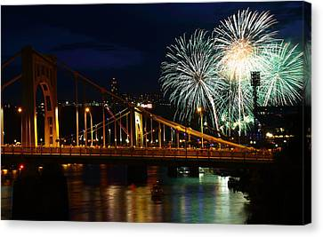 July 4th Fireworks In Pittsburgh Canvas Print by Jetson Nguyen