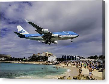 Klm Canvas Print - K L M Landing At St. Maarten by David Gleeson