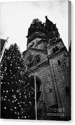 Kaiser Wilhelm Gedachtniskirche Memorial Church And Christmas Tree Berlin Germany Canvas Print by Joe Fox