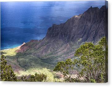 Kalalau Outlook V3 Canvas Print by Douglas Barnard