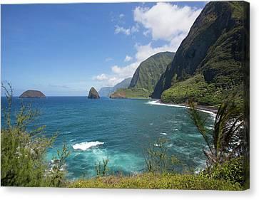 Kalaupapa Peninsula, Molokai, Hawaii Canvas Print by Douglas Peebles