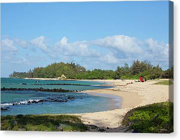 Kanaha Beach Park, Maui, Hawaii Canvas Print by Douglas Peebles