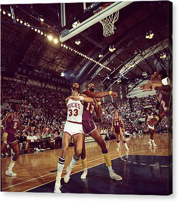 Kareem Abdul Jabbar Rebounding Canvas Print by Retro Images Archive