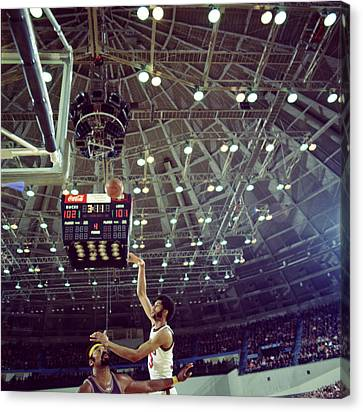 Kareem Abdul Jabbar Shooting Quick Canvas Print by Retro Images Archive