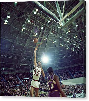 Kareem Abdul Jabbar Sky Hook Canvas Print by Retro Images Archive