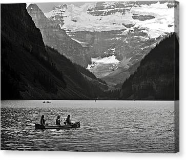 Kayak On Lake Louise Canvas Print by RicardMN Photography