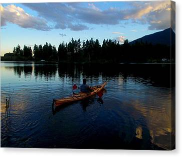 Kayaking Sunset Canvas Print by Guy Hoffman