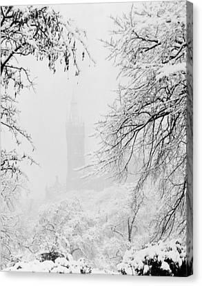 Kelvingrove Park In The Snow, 1955 Canvas Print