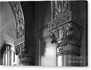 Kenyon College Great Hall  Canvas Print by University Icons