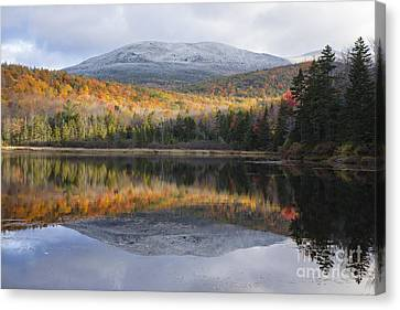 Kiah Pond - Sandwich New Hampshire Usa Canvas Print