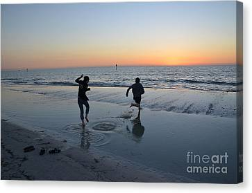 Canvas Print featuring the photograph Kids At The Beach by Robert Meanor