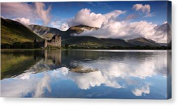Kilchurn Castle Canvas Print by Guido Tramontano Guerritore