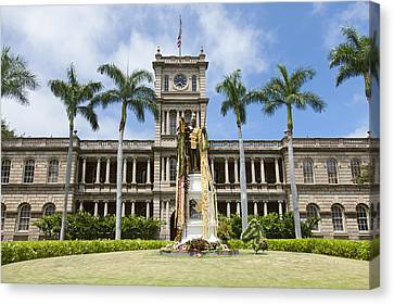 King Kamehameha In Leis Canvas Print by Brandon Tabiolo