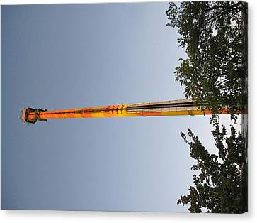 Kings Dominion - Drop Tower - 12125 Canvas Print by DC Photographer