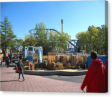 Kings Dominion - Shockwave - 12122 Canvas Print by DC Photographer