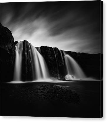 Kirkjufellsfoss Canvas Print by Frodi Brinks
