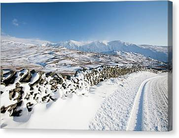 Kirkstone Pass Canvas Print by Ashley Cooper