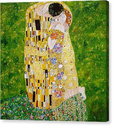 Kiss G.klimt Canvas Print by Nina Mitkova