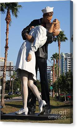 Kissing Sailor - The Kiss - Sarasota Canvas Print