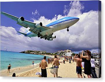 Klm Canvas Print - Klm Landing At St Maarten 2  by Matt Swinden