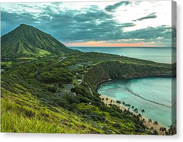 Koko Head Crater And Hanauma Bay 1 Canvas Print by Leigh Anne Meeks