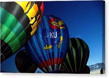 Ku Ballon Canvas Print