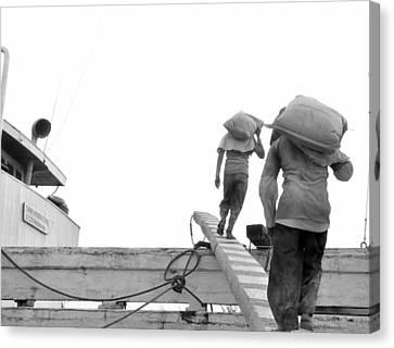 Kuli Pelabuhan Canvas Print by Achmad Bachtiar