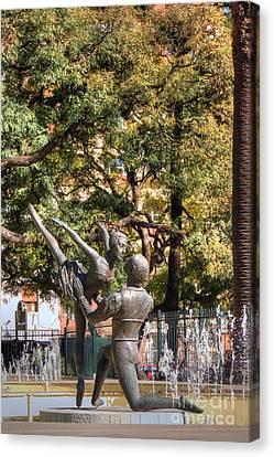 La Fuento De Los Bailarines Canvas Print by Deborah Smolinske
